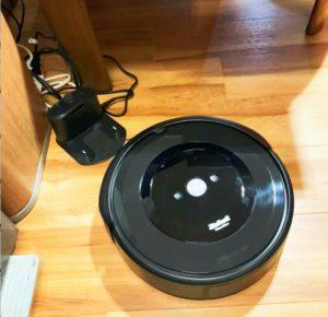 アイロボットiRobot-Roombaルンバe5の掃除開始時の様子-300x290